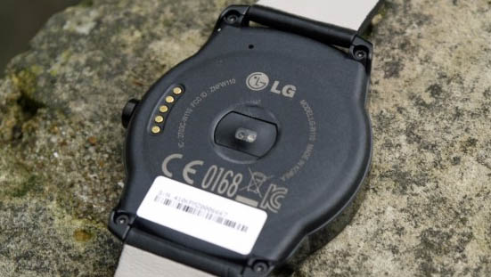 lg-retro smartwatch